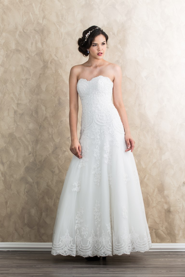 Lace Trim Beaded Sweetheart