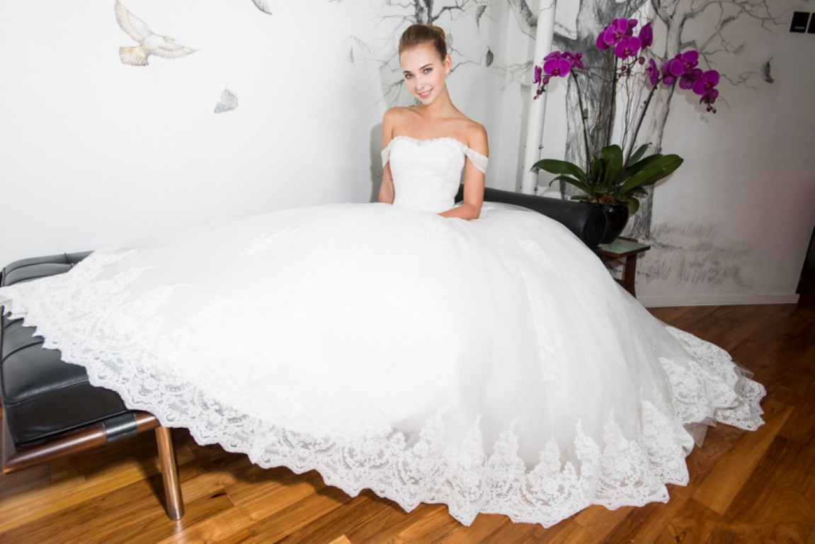 DE ROSE BRIDAL GOWN COLLECTION