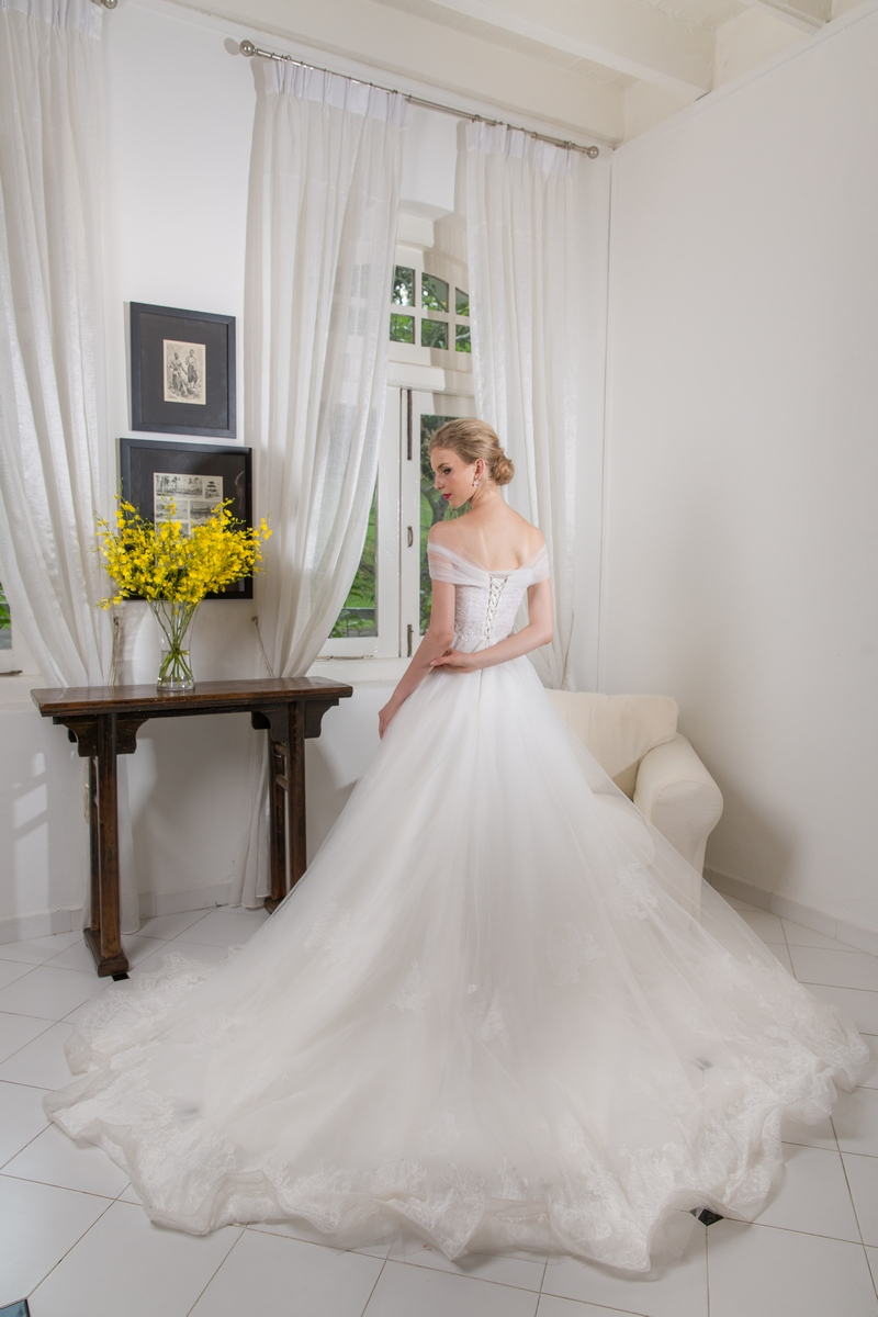 Off Shoulder Soft Tulle Lace Ballgown Wedding Dress