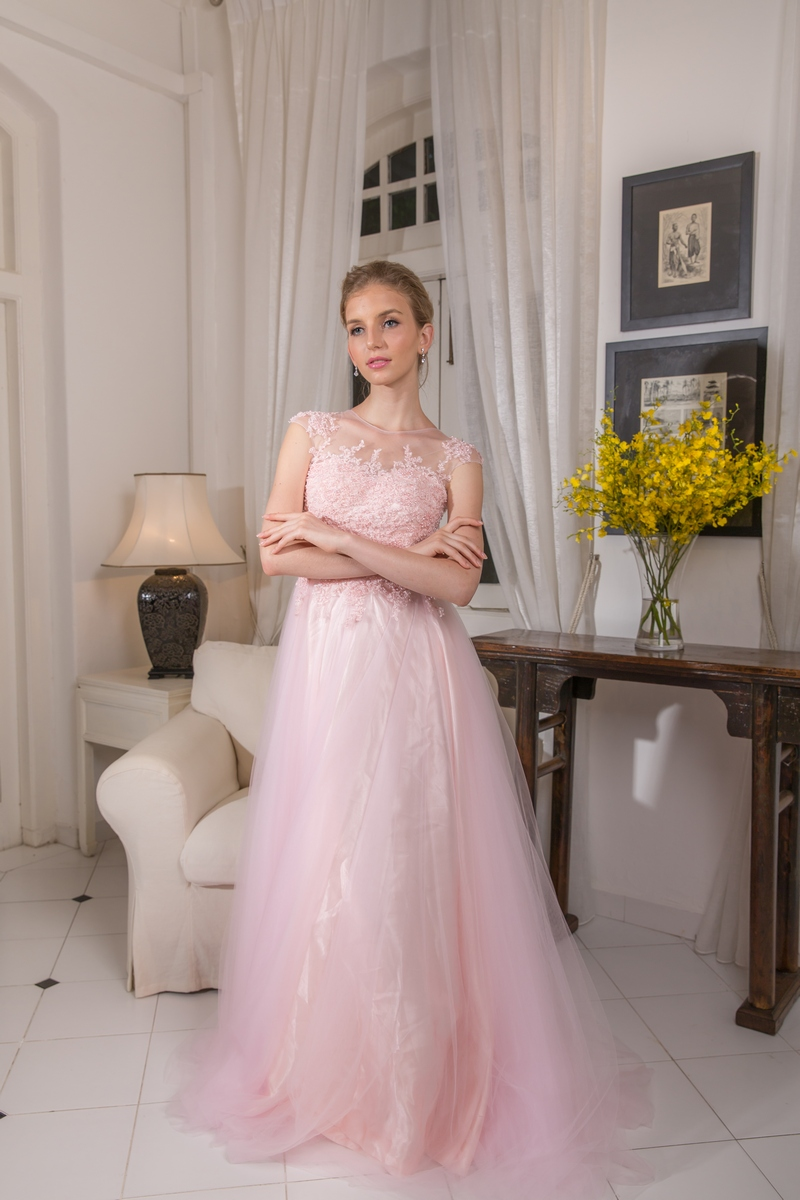Pastel Pink Illusion Front And Back Pearl Beaded Lace Bodice Flowly Evening Dress