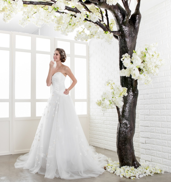 Sweetheart Satin 3D Florals Flowy Tulle Gown